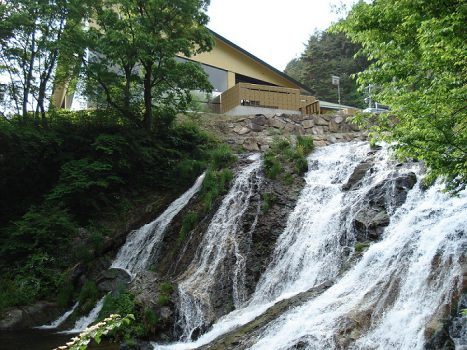 3犬ころの滝と滝見の湯